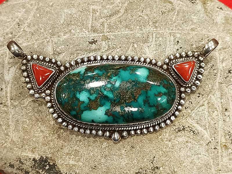 pendente tibetano turchese corallo
