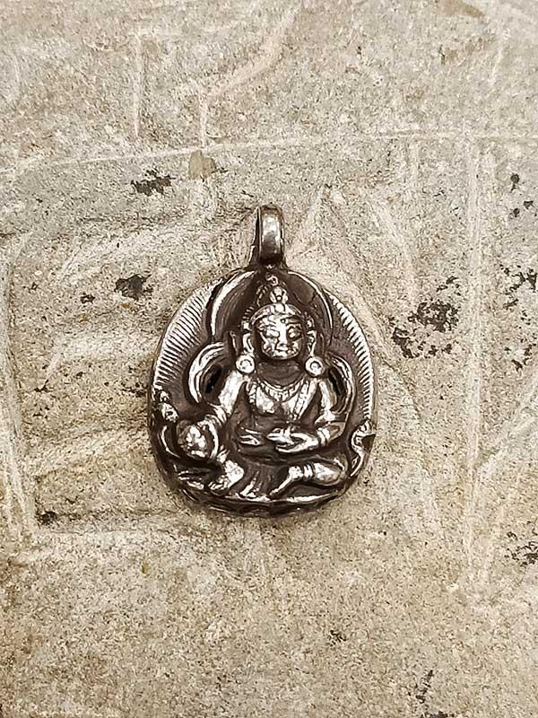 Pendente tibetano in argento con Buddha