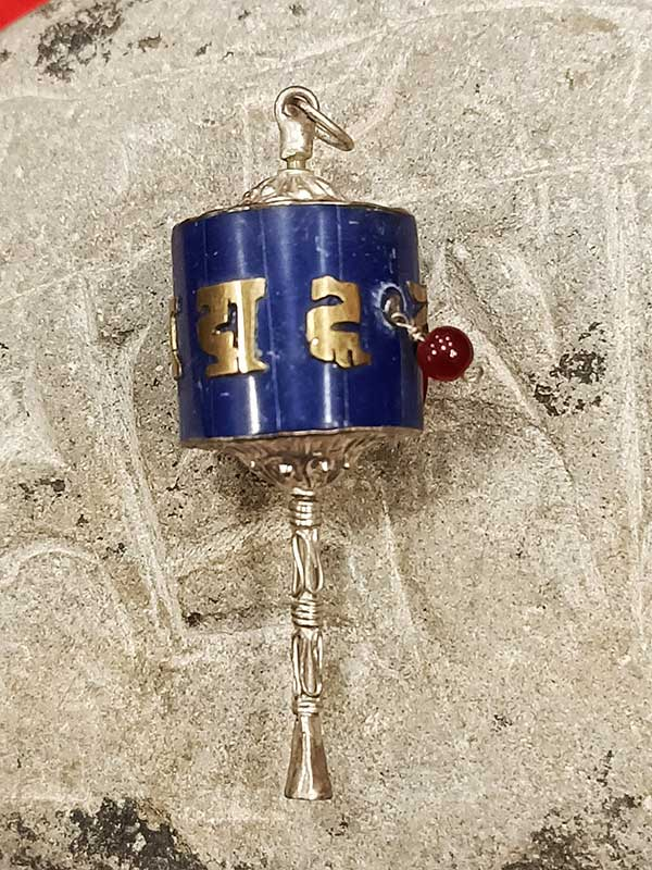 Pendente tibetano argento lapislazzuli con mulinello di preghiera