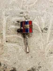 Pendente tibetano argento corallo lapislazzuli con mulinello di preghiera