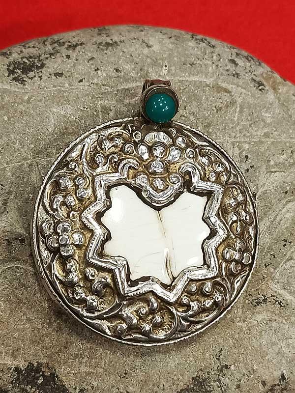 pendente tibetano argento conchiglia