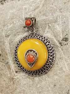 pendente tibetano ambra corallo