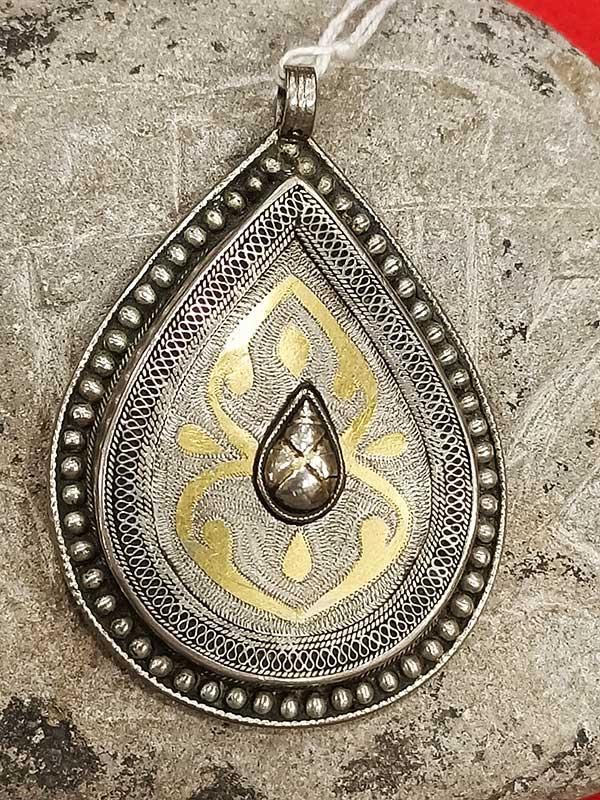 pendente turkmeno con decorazioni Vermeil