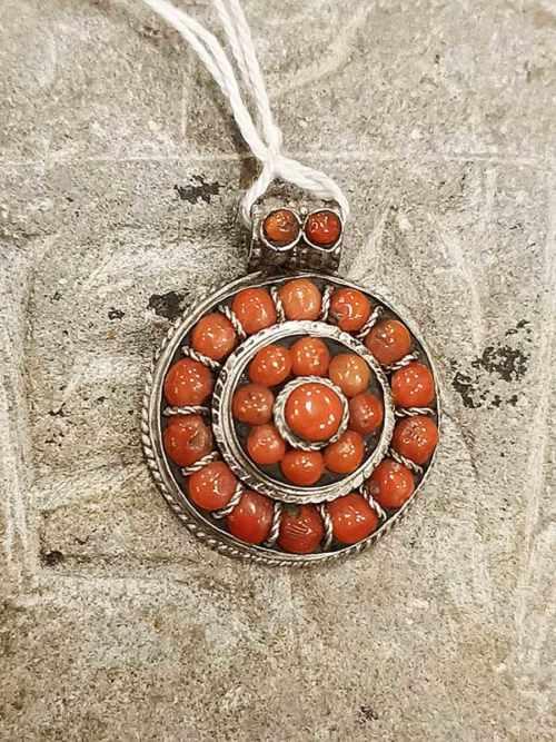 pendente tibetano corallo