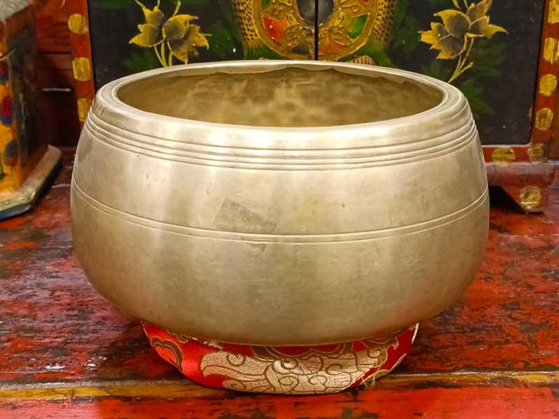 campana tibetana antica mani