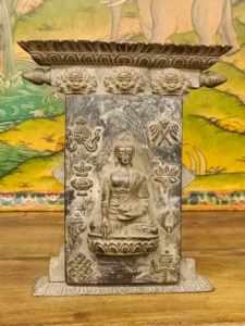 bassorilievo buddha akshobhya
