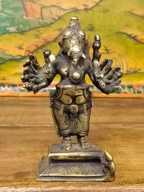 statua ganesh danzante