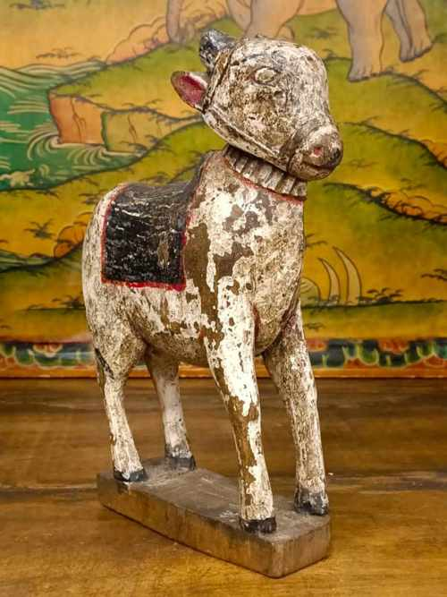 statua toro nandi legno