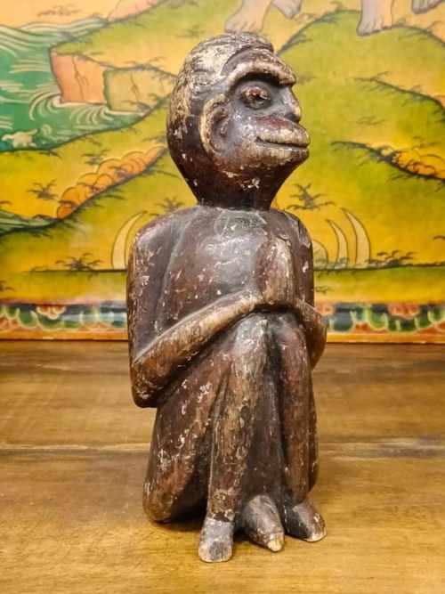 statua di scimmia legno